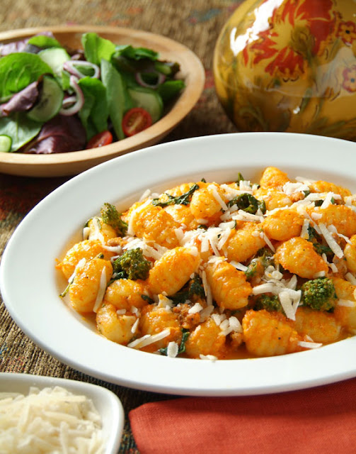 Gnocchi with Caramelized Garlic, Broccoli Rabe and Parmesan Cheese ...