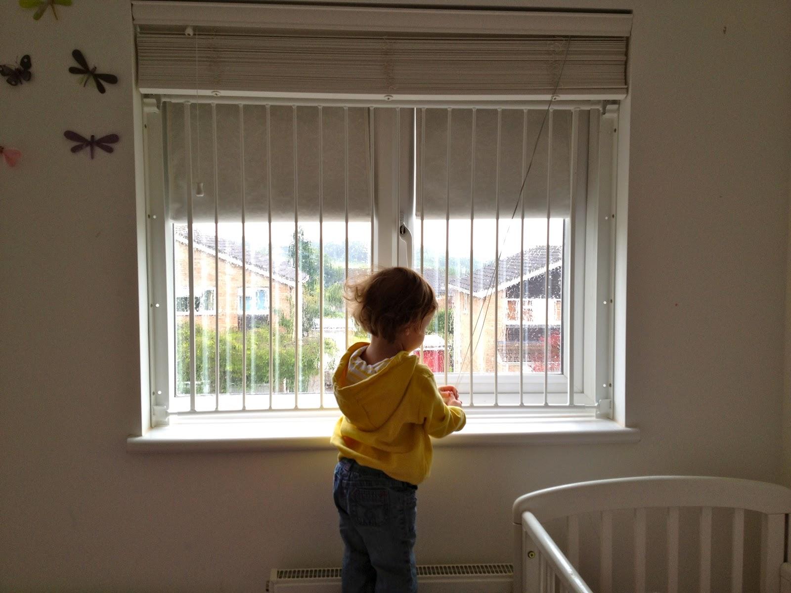 ... SAFE AND SOUND (children's window guards) - Mummy's Little Monkey