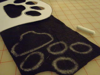 Trace paw-king paw pads