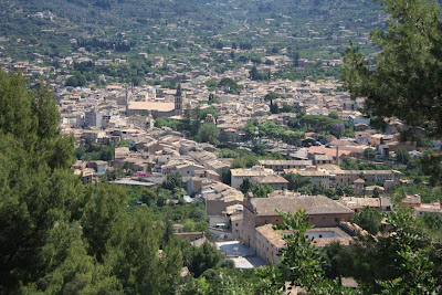 Sóller from a viewpoint where the train of Sóller stops