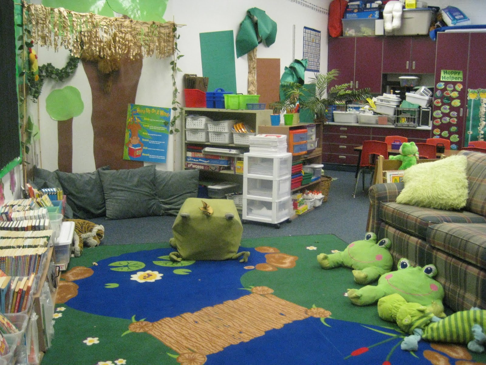 Classroom Theme Ideas Kindergarten : Pixie chicks classroom theme thursday frogs a freebie