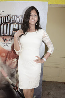 Anaswara Pictures in White Dress at Yaamirukka Bayamey Press Meet  0005