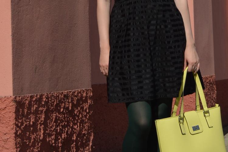quaintrelle, georgiana, quaint, fashion, blogger, silk, dress, secondhand, thrifted, ampelmännchen, orsay, yellow, bag, vintage