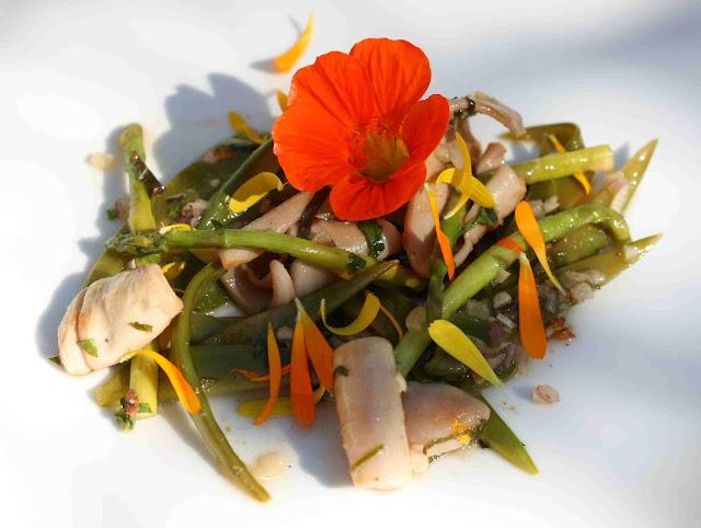 bushcooks kitchen easy asia men mit bill granger salat mit zuckerschoten kalamare limette. Black Bedroom Furniture Sets. Home Design Ideas