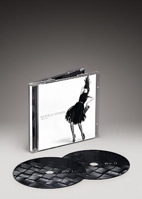 Christmas Gift Ideas: Bottega Veneta's Intreccio Uno CD