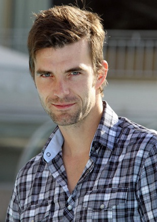 Lucas Bryant Shirtless http://www.shirtless.tk/2011/12/lucas-bryant.html