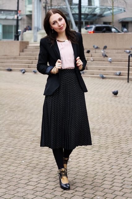 How to: work the pleated midi skirt - Woman of Style and Substance