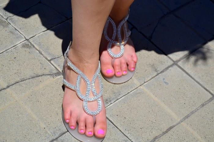 look_outfit_vestido_flores_sandalias_joya_pedreria_nudelolablog_03