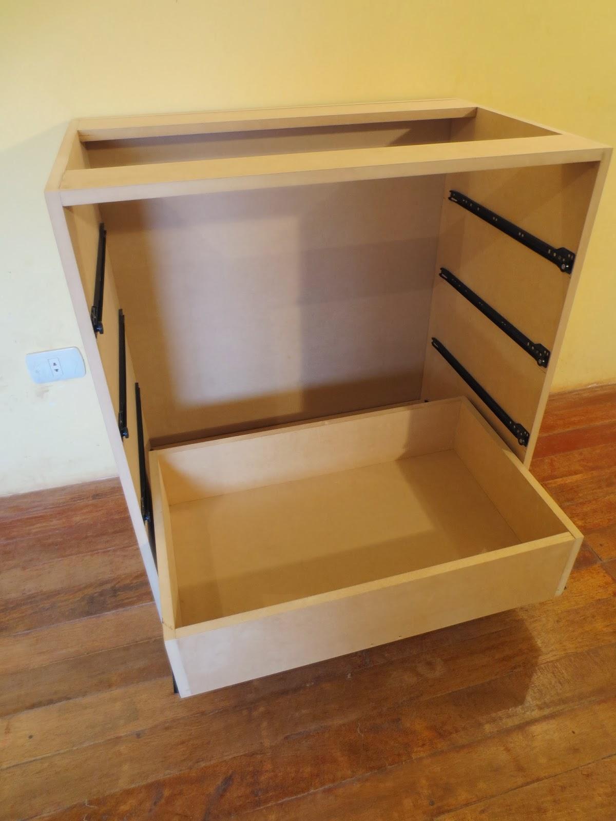 Decoraciones manualidades en madera como hacer un comoda for Hacer una mesa con una puerta