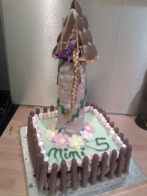 tangled cake, princess cake, 5th birthday cake