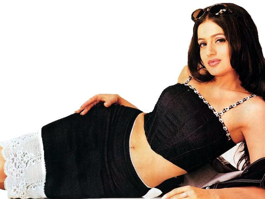 Amisha patel hot wallpapers bollywood hot pics for Amisha indian cuisine