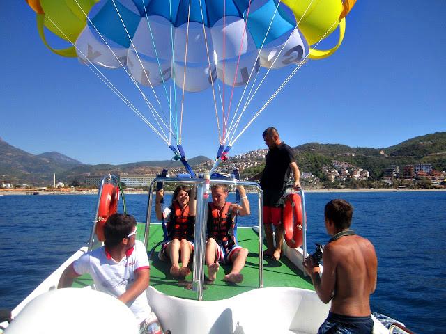 парашют и море