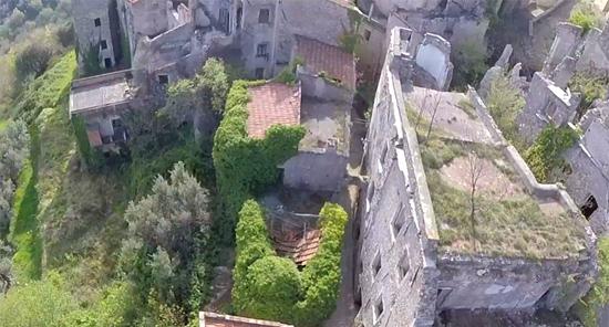 Balestrino - Cidade fantasma medieval na Itália 2