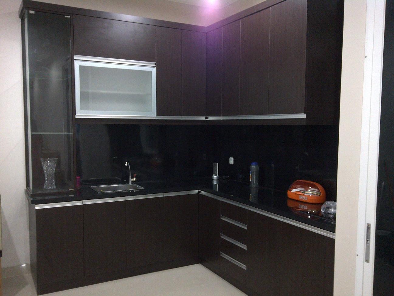Furniture interior harga terjangkau kitchen set for Harga kitchen set stainless