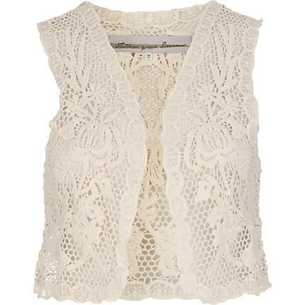 http://1.bp.blogspot.com/-in4_-T8Z4bI/TfCvz4sQPkI/AAAAAAAAAo0/vGRMRoOxthk/s1600/crochet+vest+RI.jpg