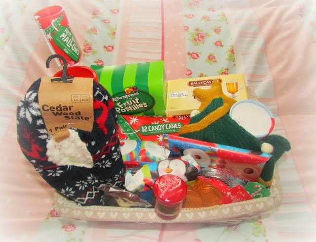 The christmas eve box dolly dowsie