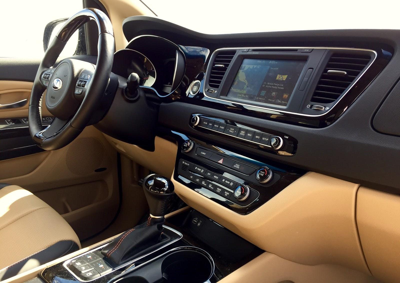 2015 Kia Sedona SXL+ interior