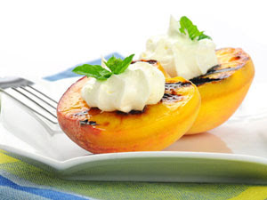 grilled+peaches+with+honey+and+greek+yogurt.jpg