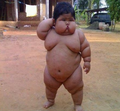 Smešna slika: debelo dete sumo rvač