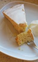 Weißer Schokoladenkuchen mit Kardamom