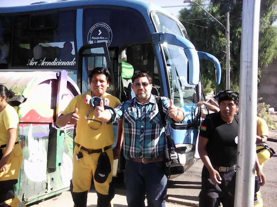 VOLUNTARIOS BOLIVIANOS Y DE TARAPACÁ AYUDAN EN EL SUR.