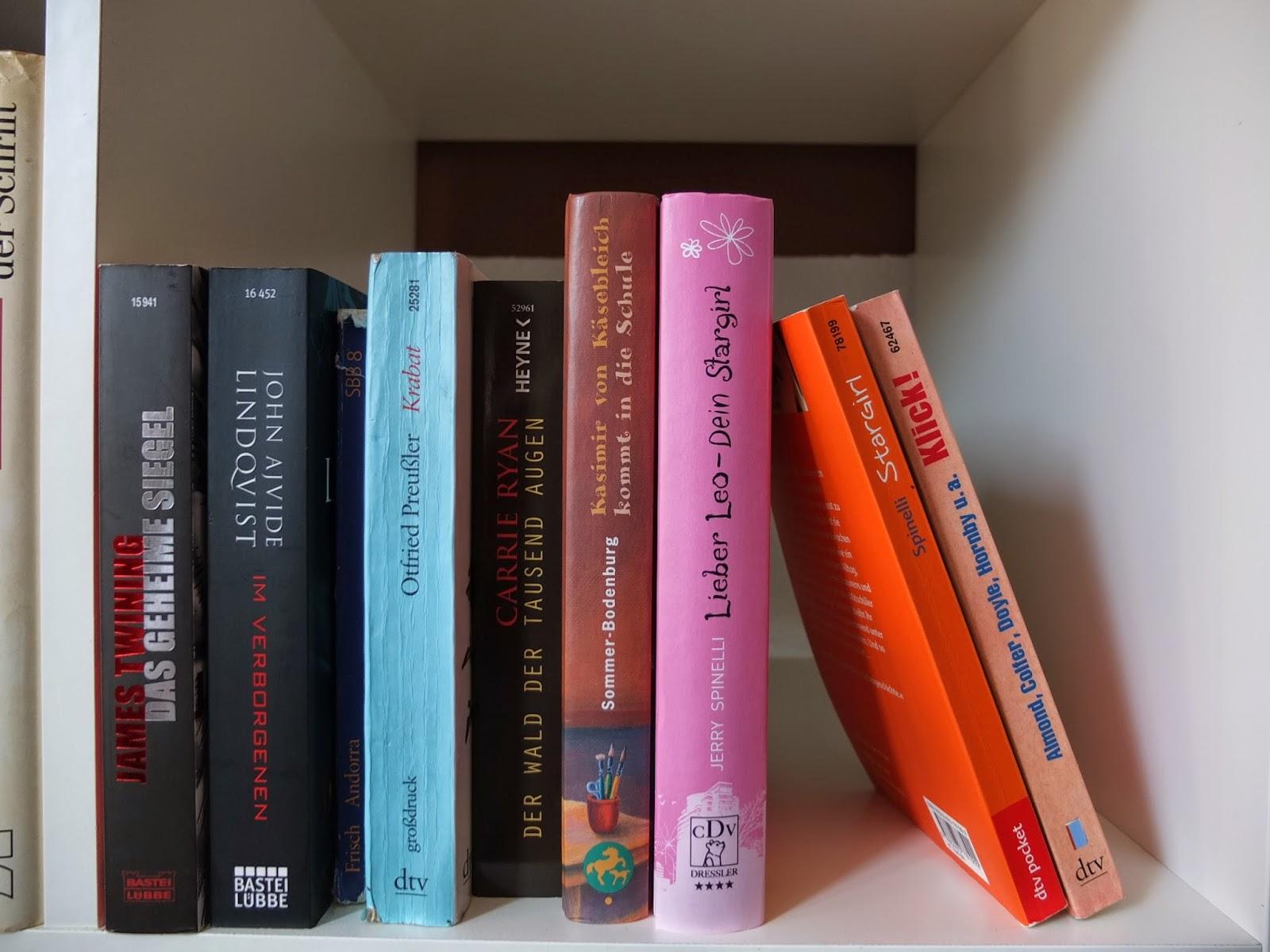 Bücherreihe clipart  Bücherreihe Clipart | ambiznes.com
