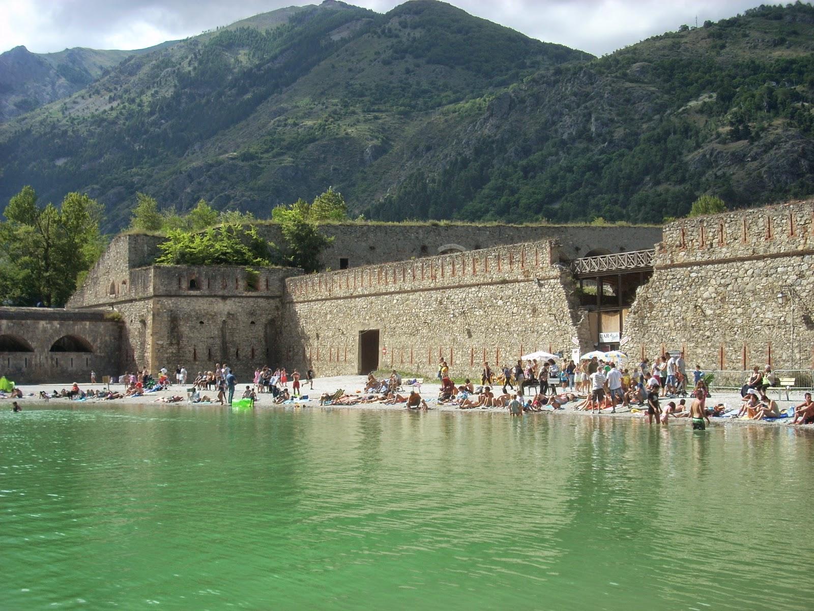 Cuneo e dintorni lago artificiale piscina di vinadio for Piscina artificiale