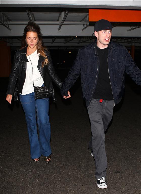 Chris Evans Girlfriend Pregnant Chris evans and his girlfriend