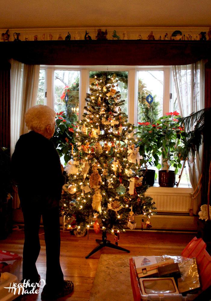 Christmas Tree Decorating Basics. heatheromade.