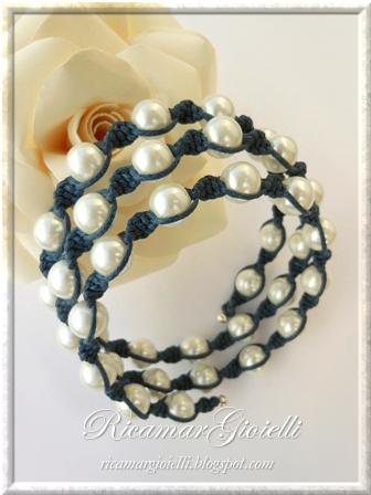 Macramory bracciale realizzato con filo armonico, macramè e perle
