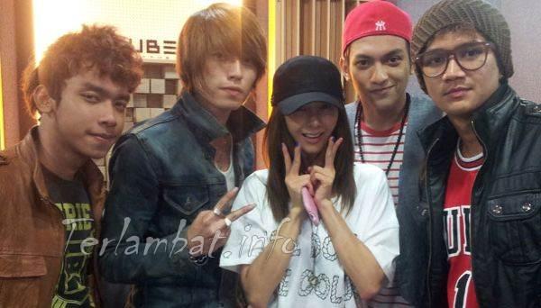 Foto Boyband S4 dan Fans Korea