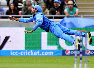 Dinesh-Karthik-attempts-a-catch-vs-Pakistan-ICC-Champions-Trophy-2013