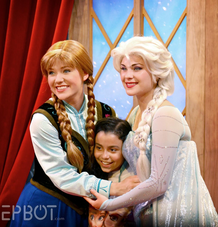 Epbot Frozens Elsa Anna At Epcot