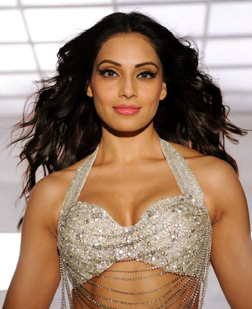 a complete photo gallery indian actress(no watermark): bipasha basu
