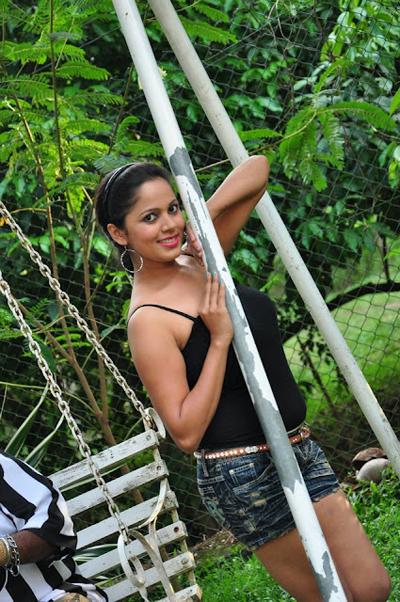 Hot Models Nethu Priyangika