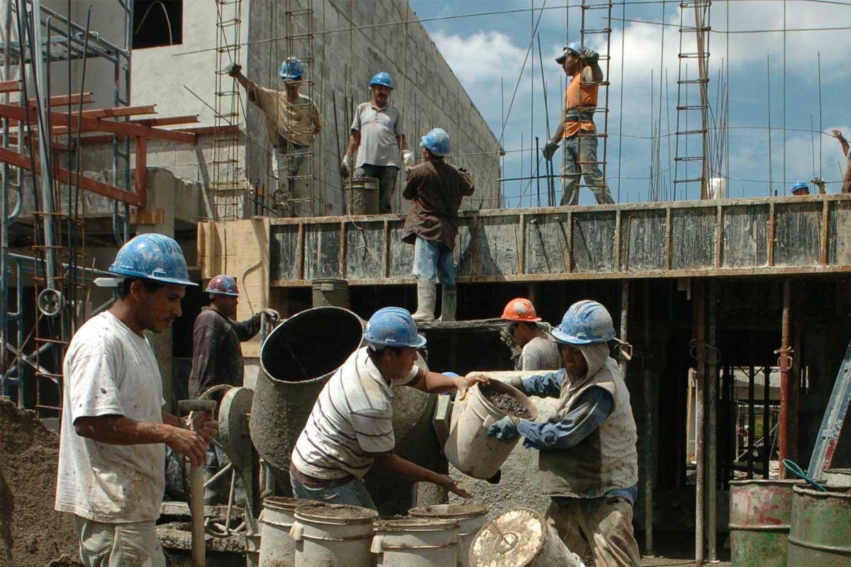 CHACO: CONSTRUCTORES DENUNCIAN ATRASOS DE PAGOS NACIONALES. PELIGRA ...