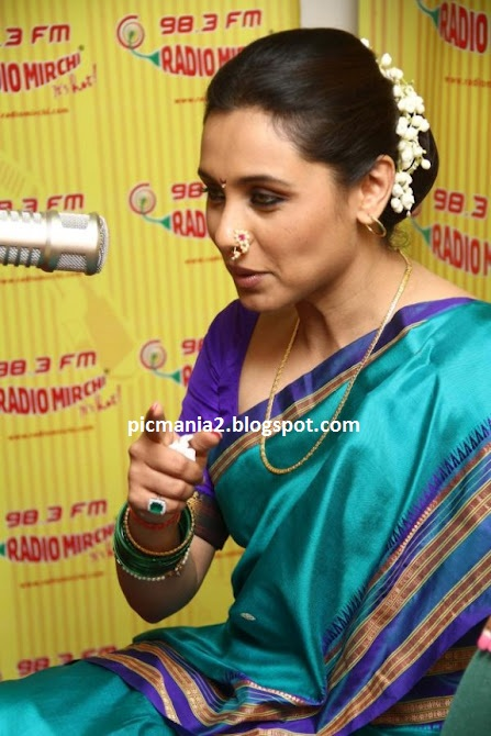 rani mukherjee hot aunty in saree exposing