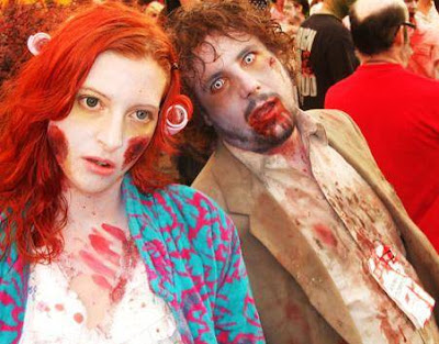 Zombie de disfraces pareja, ideas divertidas de Halloween