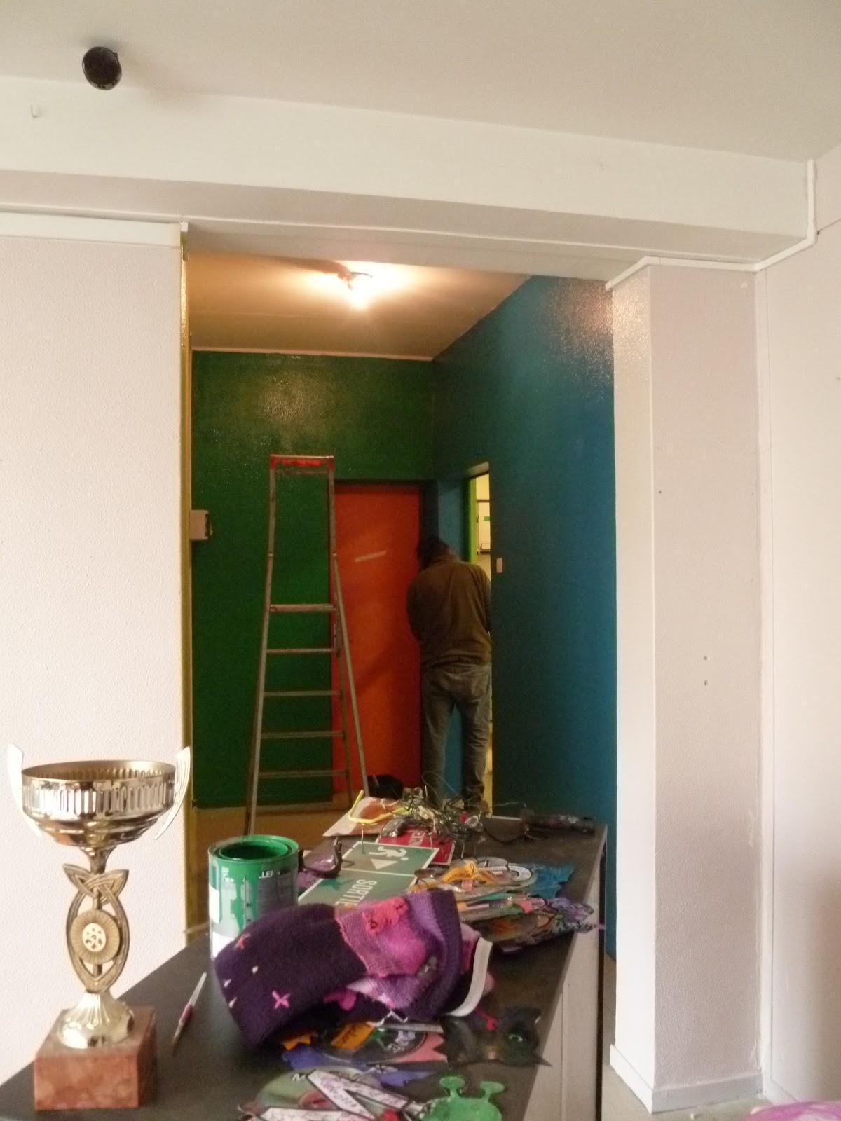 Lesdins blog infos les travaux de peinture l 39 cole for Les travaux de peinture