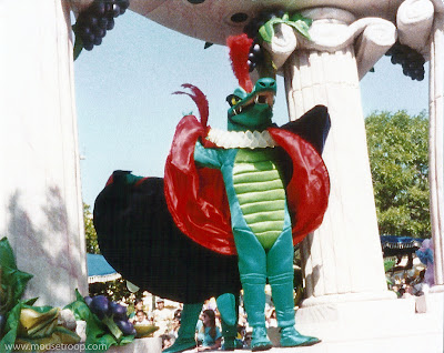 Disney Fantasia Alligator Crocodile Flights Parade Disneyland
