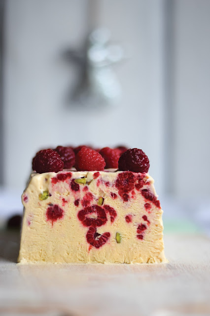 Carbs by numbers, Christmas, raspberry and pistachio semifreddo