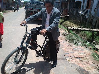 Extra! Extra! Extra! Vereador irá de bicicleta à cerimônia de posse