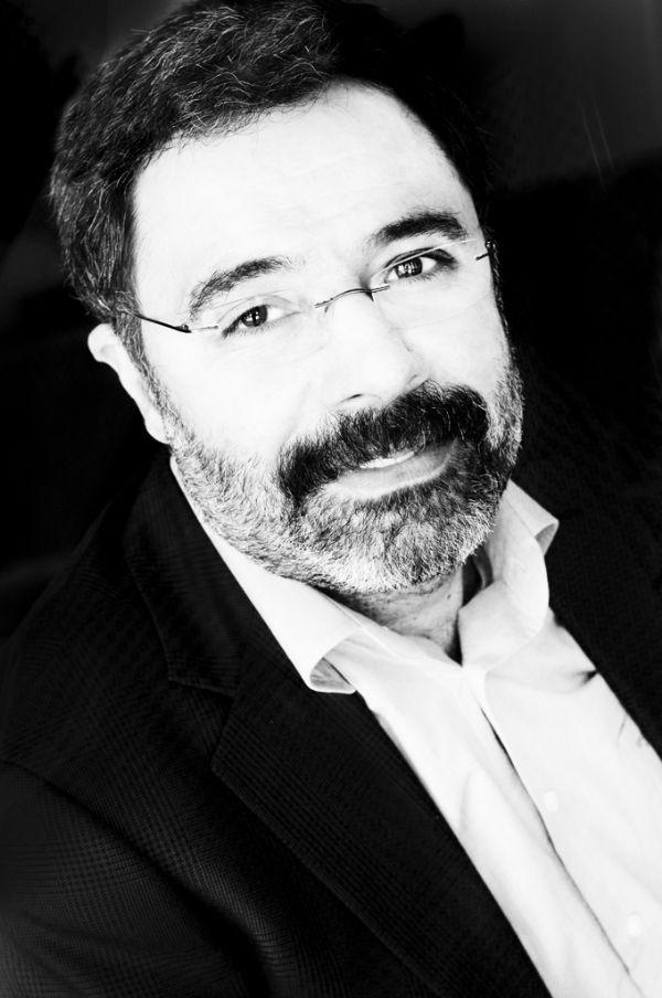 BEYAZ KITAPLIK: Sultani �ld�rmek - Ahmet �mit