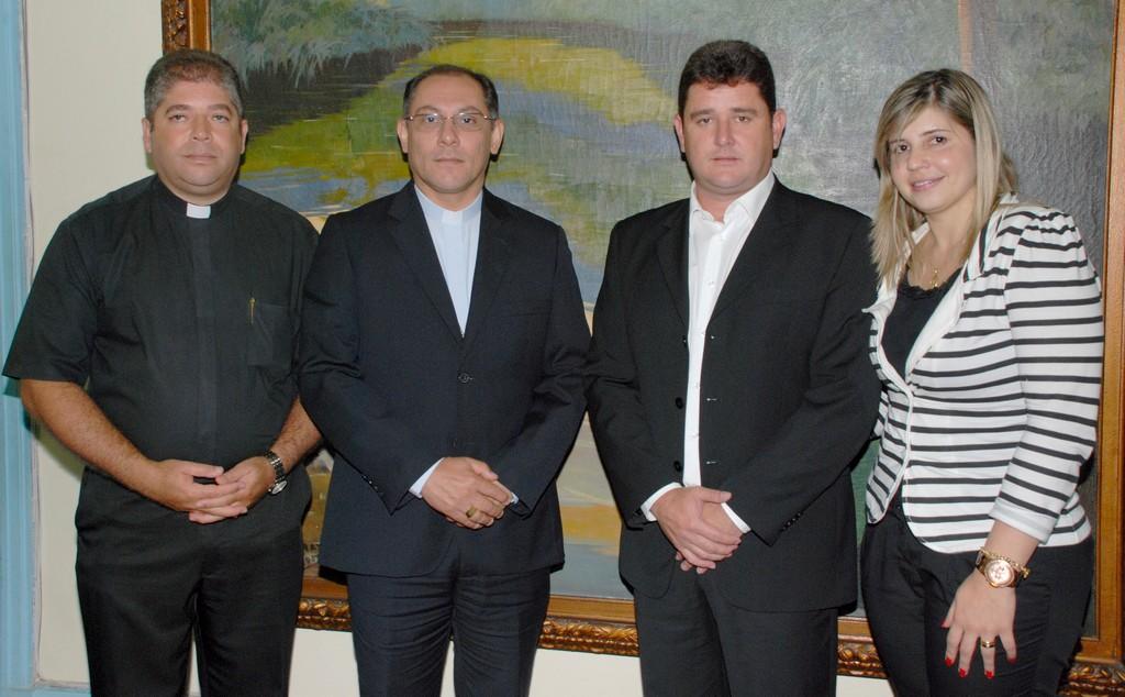 Padre Jorge, Bispo Dom Gregório Paixão, Prefeito Areli e a Prineira-dama, Alessandra Rosa