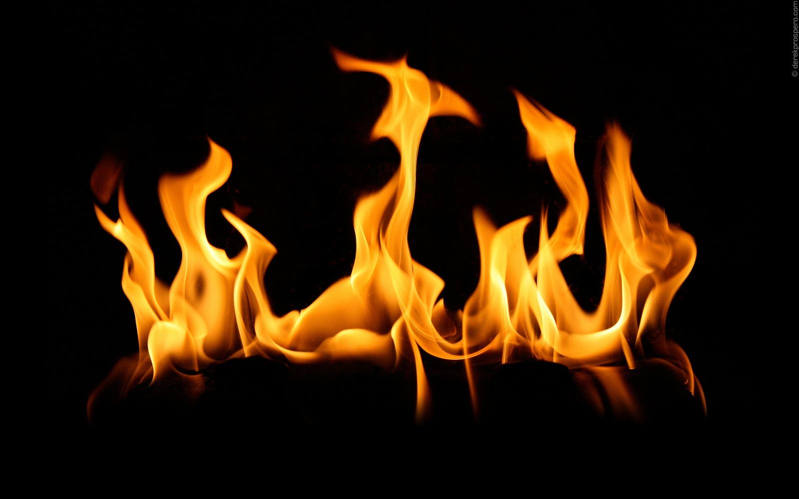 http://1.bp.blogspot.com/-is0ZJ37F3AY/T1pCGtLcVbI/AAAAAAAACAo/Dm1fuMdiiZk/s1600/ws_Fire_Flames_1600x1200+(1).jpg
