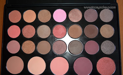26 eyeshadows/blush palette