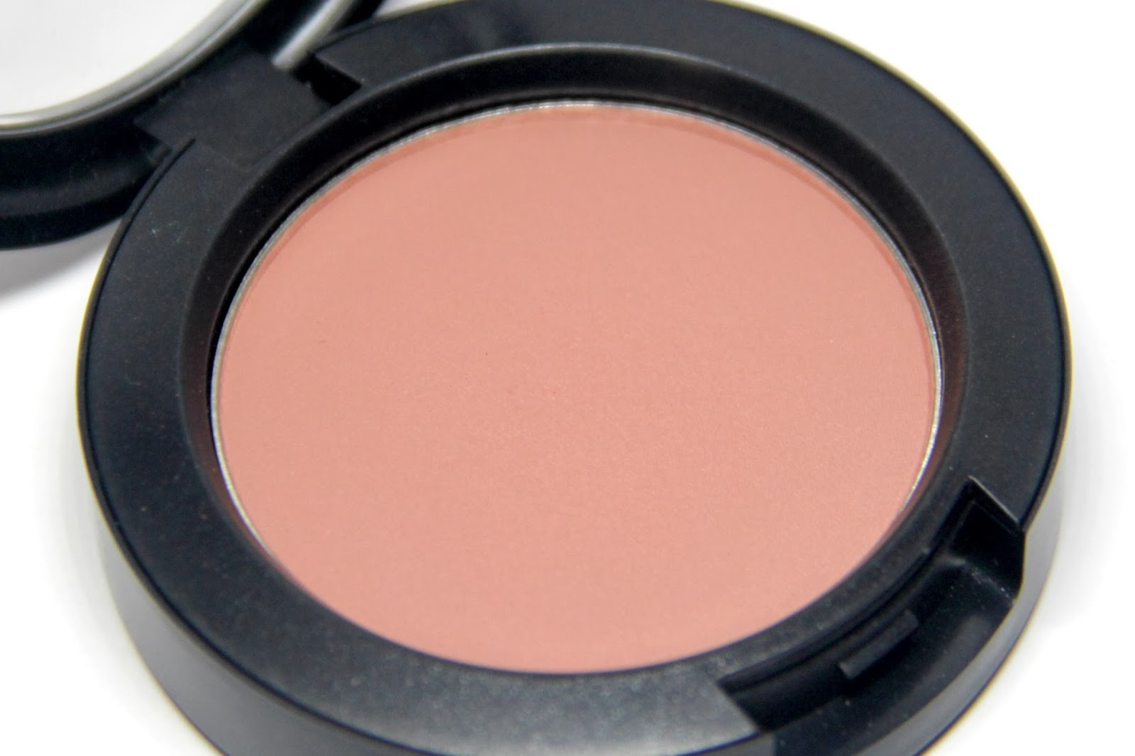 The Pretty Lil Things Blog: REVIEW: MAC's Sheertone Blush in Blushbaby