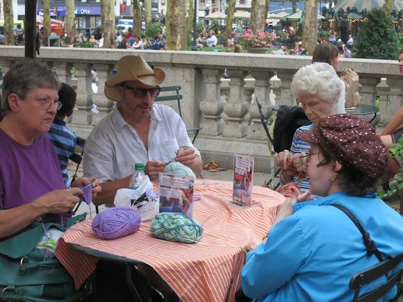 Knitting In Public : Bryant park knitting season kicks off with