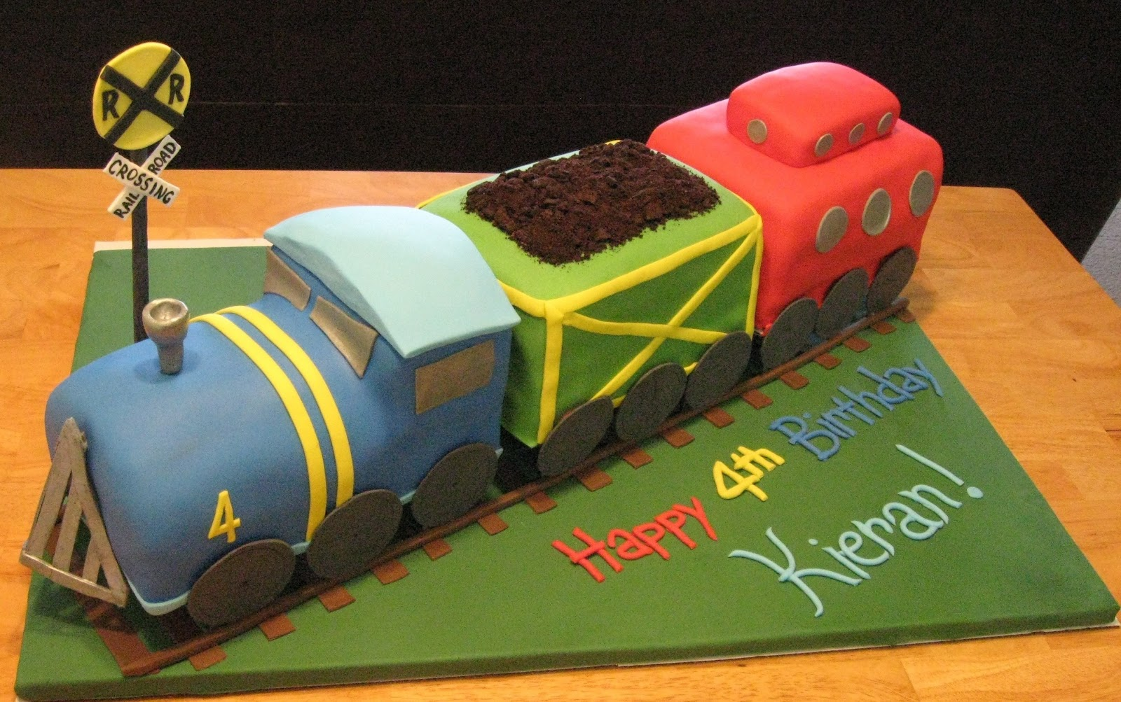 Images Of Train Birthday Cakes : Sweet Cakes DC: 3D Train Cake