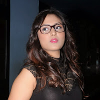Gorgeous Madhu shalini latest photos in jeans at satya 2 premiere show